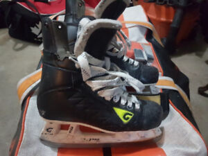 Graff hockey skates, size 7 all leather boot