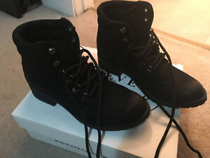Steve Madden Nubuck Leather Combat boots