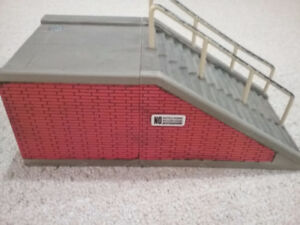 Large stairs with double rails for fingerboards