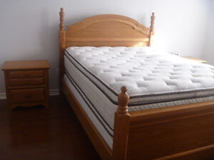 Bedroom set Dresser, two Night Tables, Queen Bed natural wood.