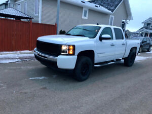 Chevy Silverado only Kms 120k only