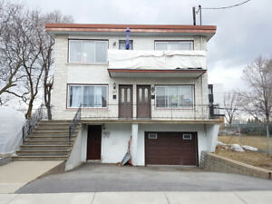 JUST LISTED! TRIPLEX (LONGUEUIL)