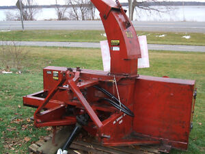 International 80 Dual Auger Snowblower Kingston Kingston Area image 4