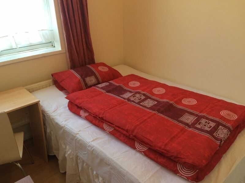 very nice single room close to Whitechapel