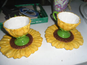2 TELEFLORA SUNFLOWER CUPS AND SAUCERS