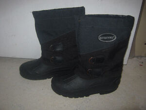 Boys' Winter boots Size 2/6/8