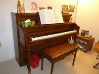 JUST REDUCED!!! Beautiful Heintzman Upright Piano
