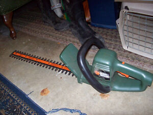 "Black and Decker 18"" hedge trimmer"