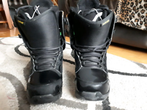 PRICE REDUCED Woman Snow boots