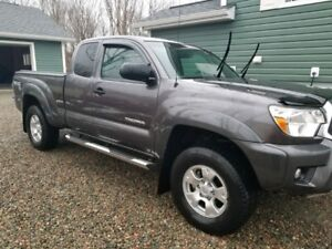2012 Toyota Tacoma TRD Off-Road Pickup Truck