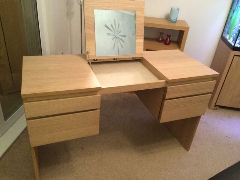 Ikea Schuhschrank Dunkelbraun ~ Ikea dressing table with mirror and Buy, sale and trade ads