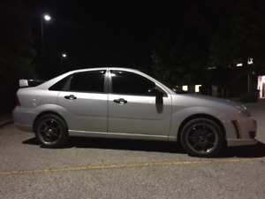2006 Ford Focus - Comes With Parts Car