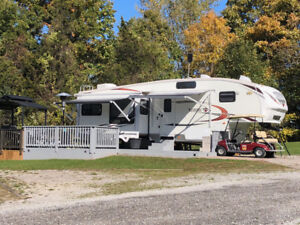 31 CKTS-6 Palomino Sabre Fifth Wheel