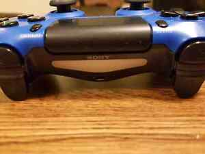 Ps 4 controller plus blue skin cover Kitchener / Waterloo Kitchener Area image 3