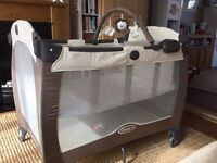 Graco Contour Electra Travel Cot in Beige and Cream