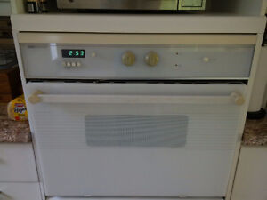 30 in White JennAir wall oven