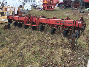 Case IH 183 7 row cultivater