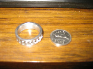 Man's silver ring