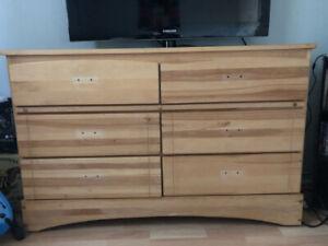 2 Meubles en bois, chambre 100$