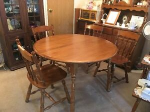Maple Buy Or Sell Dining Table Amp Sets In Winnipeg