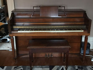Small upright piano kijiji free classifieds in ontario for Small upright piano dimensions