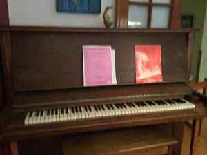Piano Lindsay excellente condition