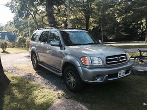 2003 Toyota Sequoia Limited SUV, Crossover