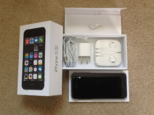 Unlocked IPhone 5s + accessories