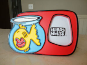 3 Cute Happy House Fish Bowl Poly Resin Picture Frames $5/each Kitchener / Waterloo Kitchener Area image 2