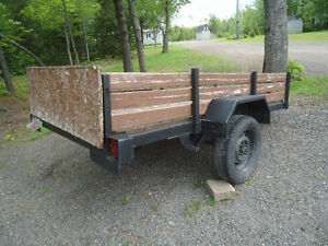 UTILITY TRAILER 4FT BY 8FT OR 50 IN WITHOUT THE SIDES