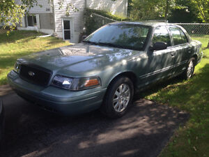 2006 Ford Crown Victoria LX Berline