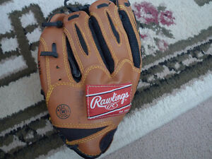 Baseball glove & Basketball Rawlings Alex Rodriguez Autographed