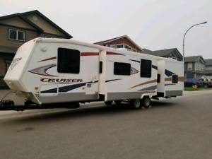 2009 Crossroads Cruiser 32ft.DSBH Travel trailer