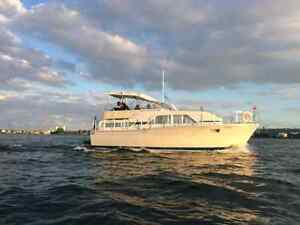 Great classic Chris Craft  Dont pay show prices