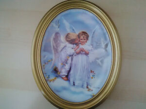 """Collector Plate by Sandra Kuck """"Angel Kisses"""""""