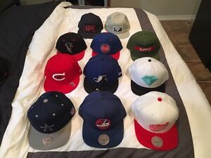 Hats/Casquettes. Mitchell & Ness, Diamond supply, TISA.