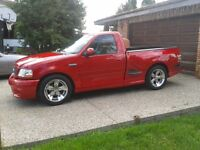 Imaculate 2001 Ford SVT Lightning