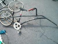 Vélo tandem remorque qui s'atache a un autre vélo