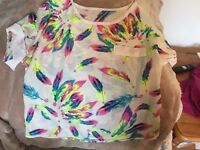 Ladies top size 10 colourful feathers
