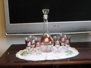 Lubiana decanter with 6 vine glasses