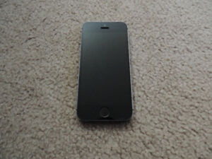 Apple IPhone 5s 16gb Telus great condition