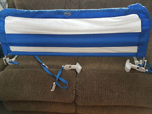 Childrens bed rail