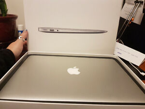 "13.5"" Macbook Air 256G"