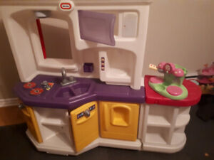 Fisher Price large play Kitchen
