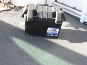 LARGE BATTERY  BOX FOR  RV OR MARINE USE