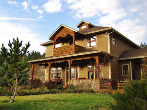 Custom home w/ MTN and Valley Views on 9.9 Acres