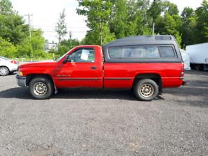Dodge ram 1500 v8 167 700km