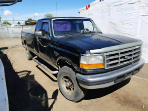 1994 XLT F-250 4x4 turbo diesel this is a one owner truck call