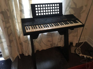 YAMAHA KEYBOARD PIANO FOR SALE - PSR-210