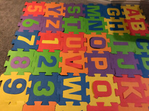 Letters  and numbers baby mat